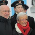 Никита Руднев с женой и юными моряками в Савино